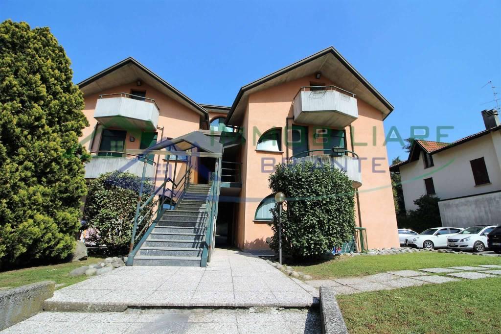 Appartamento in affitto a Somma Lombardo, 2 locali, prezzo € 400 | CambioCasa.it