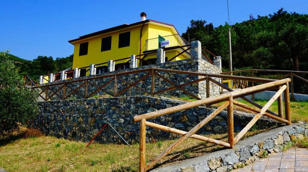 Appartamento in vendita a Varazze, 3 locali, prezzo € 195.000 | CambioCasa.it