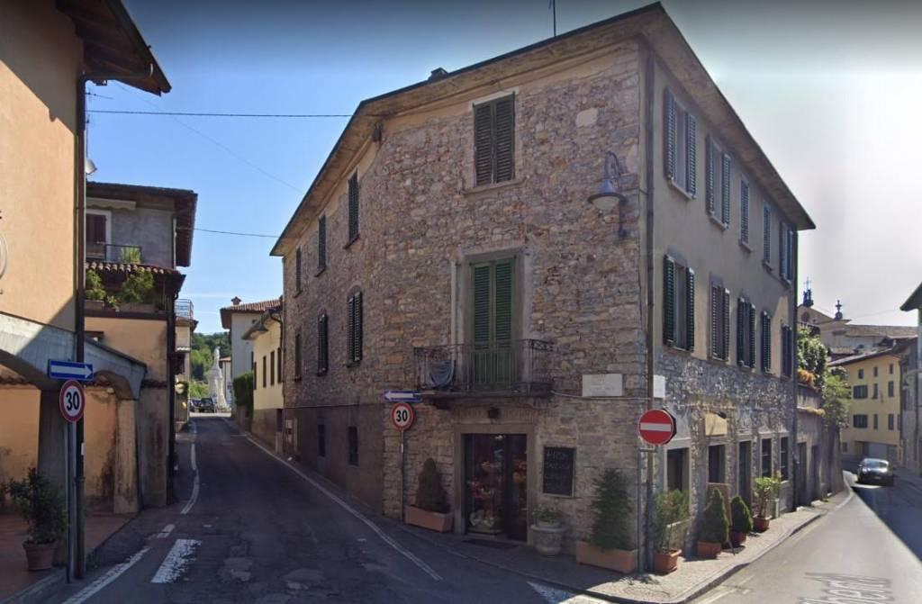 Appartamento in vendita a Almenno San Salvatore, 4 locali, prezzo € 110.000 | CambioCasa.it