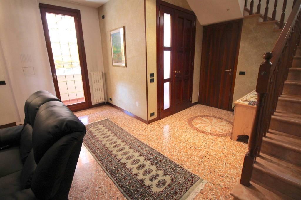 Villa in vendita a Vicenza, 4 locali, prezzo € 274.000   CambioCasa.it