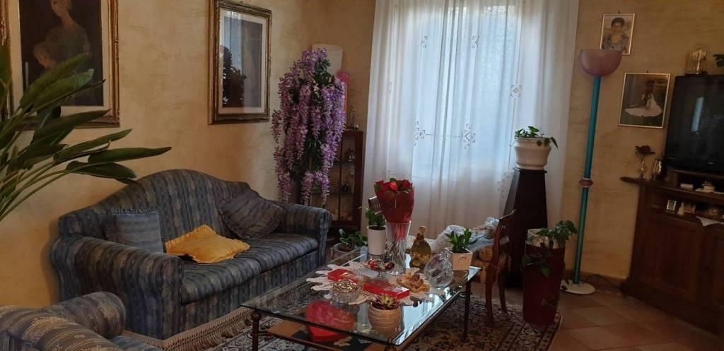 Appartamento in vendita a Prato, 5 locali, prezzo € 230.000   PortaleAgenzieImmobiliari.it