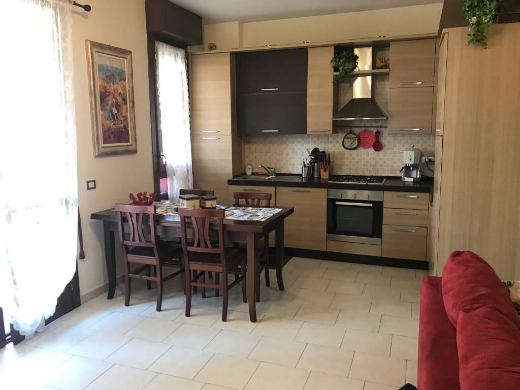 Appartamento in vendita a Peschiera Borromeo, 3 locali, prezzo € 170.000 | CambioCasa.it