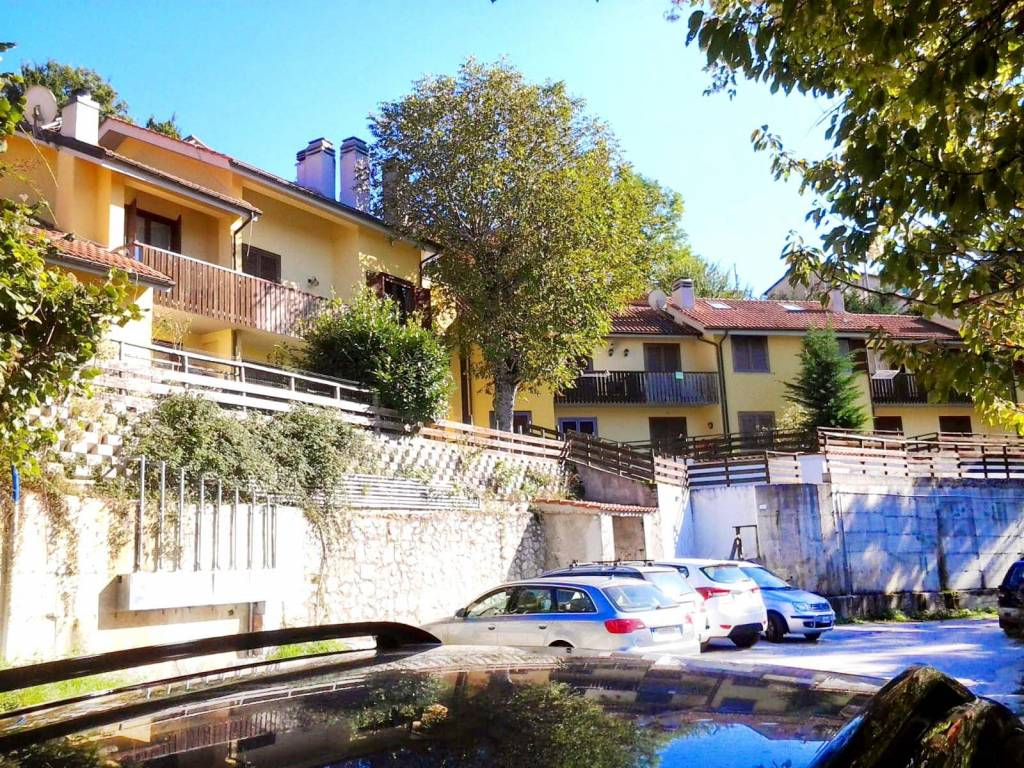Villa a Schiera in Vendita a Lucoli