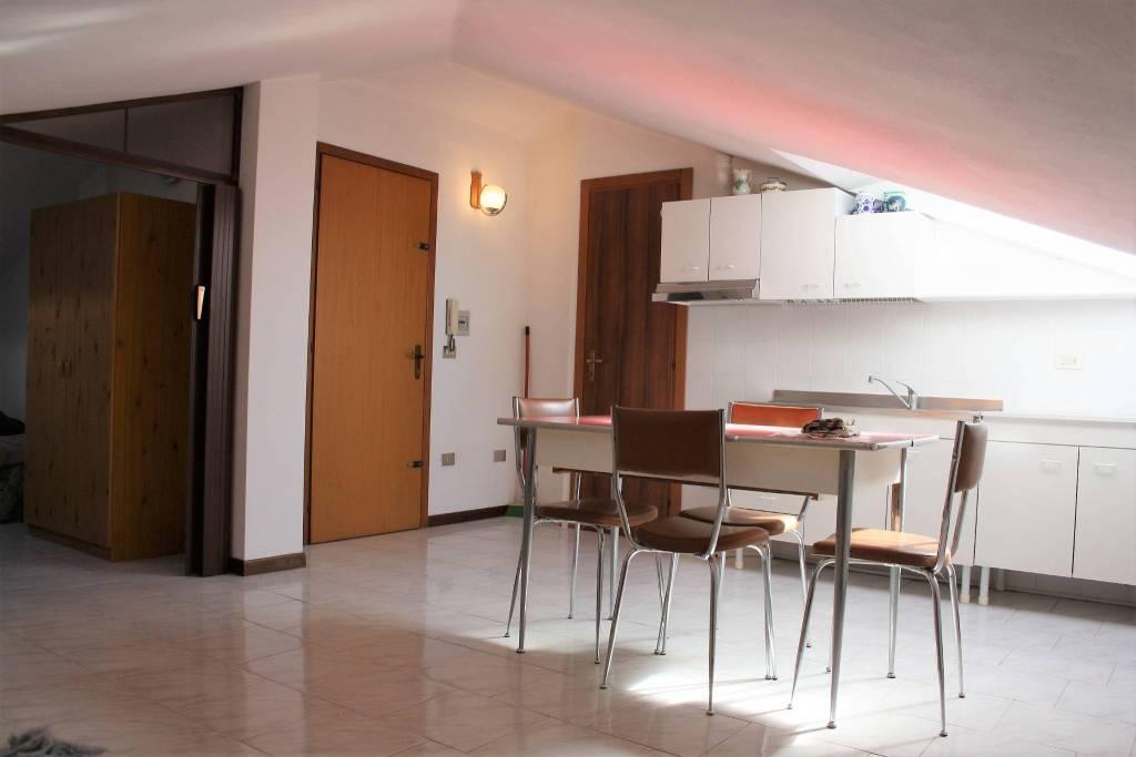 Attico / Mansarda in vendita a Castagnole delle Lanze, 2 locali, prezzo € 40.000 | PortaleAgenzieImmobiliari.it