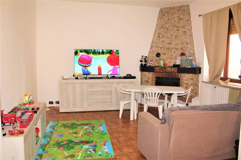 Appartamento in ottime condizioni in vendita Rif. 5783279