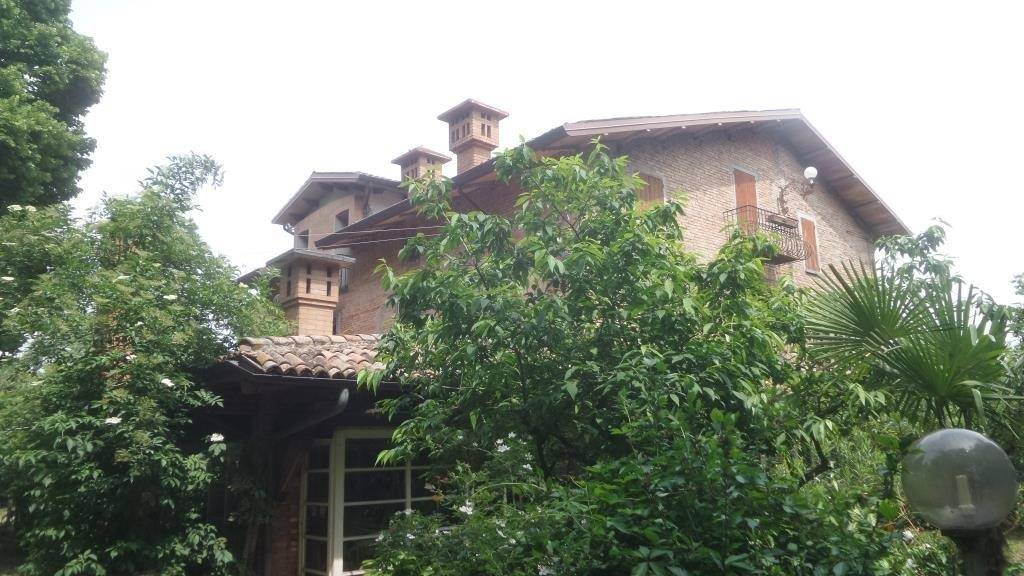 Villa in vendita a Campogalliano, 16 locali, Trattative riservate | CambioCasa.it