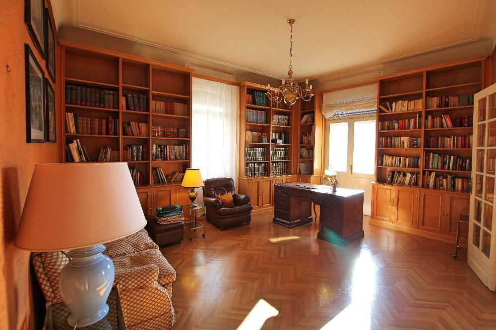 Appartamento in vendita a Trieste, 7 locali, prezzo € 420.000 | PortaleAgenzieImmobiliari.it