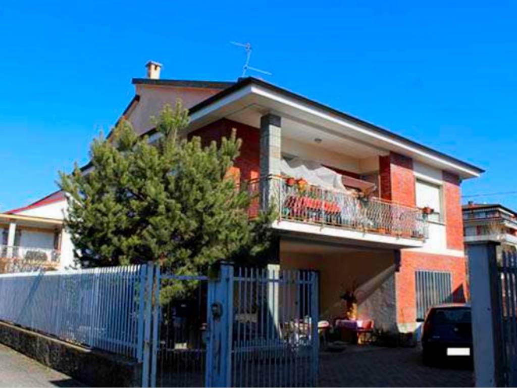 Appartamento in vendita a Chieri, 3 locali, prezzo € 65.000 | CambioCasa.it