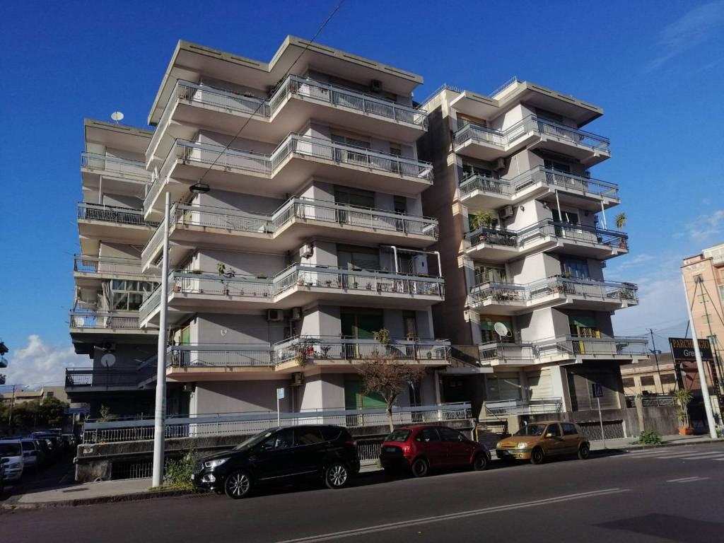 Appartamento in Affitto a Catania Centro: 3 locali, 90 mq