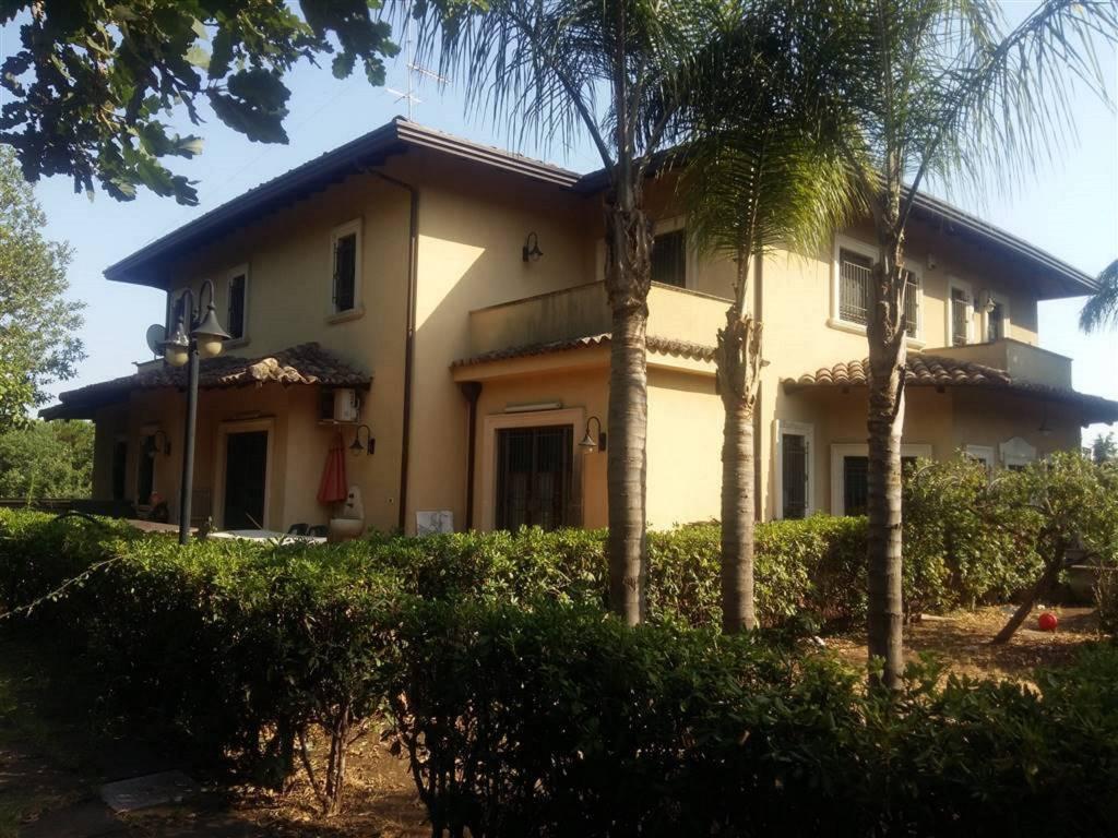 Villa in Vendita a Gravina Di Catania Centro: 5 locali, 450 mq