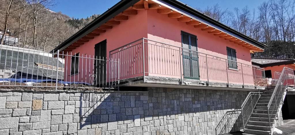 Villa in vendita a Blessagno, 4 locali, prezzo € 285.000 | PortaleAgenzieImmobiliari.it