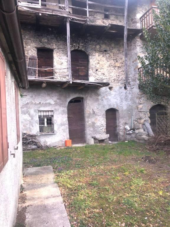 Rustico / Casale in vendita a Morbegno, 6 locali, prezzo € 85.000 | CambioCasa.it
