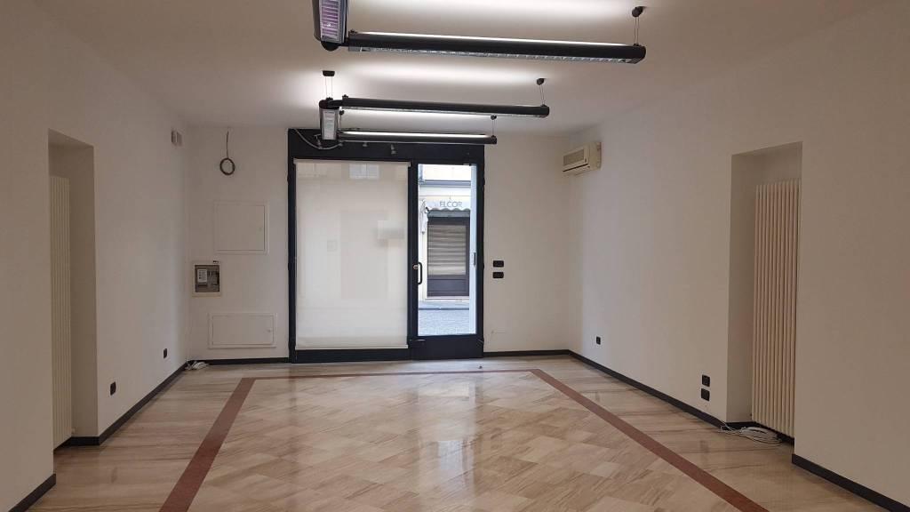Ufficio / Studio in affitto a Guastalla, 3 locali, prezzo € 650 | PortaleAgenzieImmobiliari.it