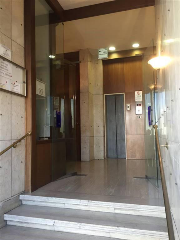 Appartamento in Vendita a Catania Centro: 5 locali, 190 mq