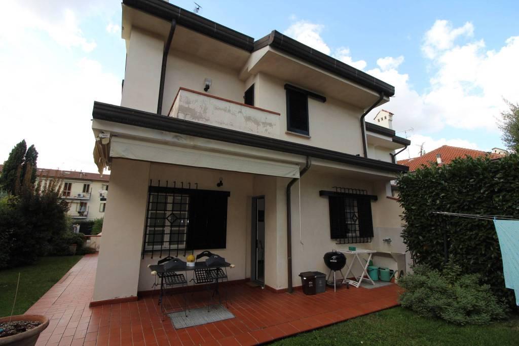 Villa in buone condizioni parzialmente arredato in vendita Rif. 7757317