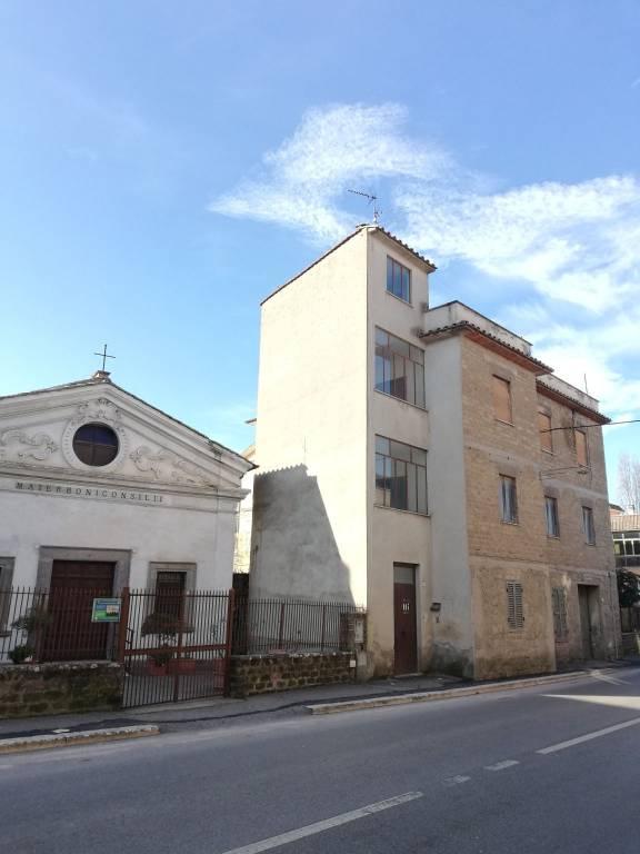 Appartamento in vendita a Campagnano di Roma, 3 locali, prezzo € 40.000 | CambioCasa.it