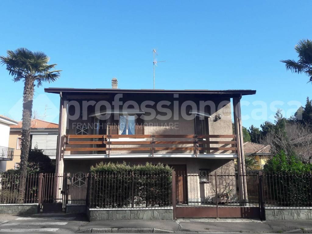 Villa in Vendita a Castellanza