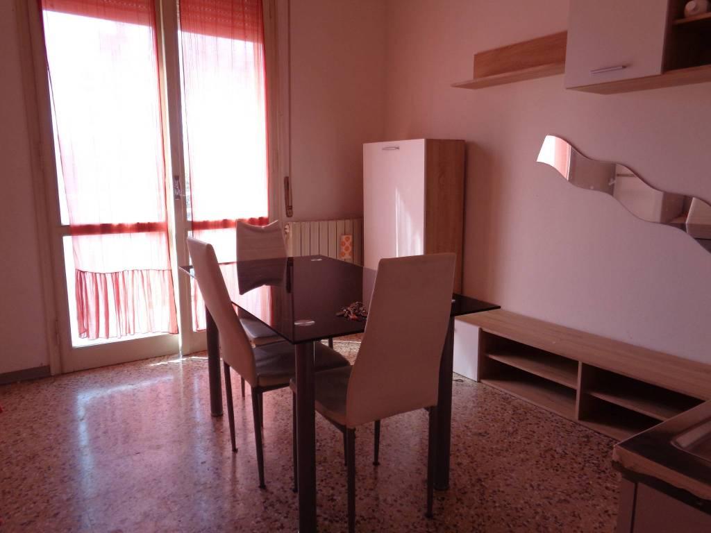 Appartamento in Affitto a Correggio Centro: 3 locali, 60 mq