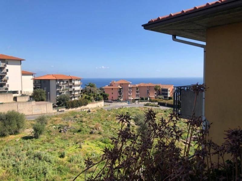 Appartamento in Vendita a Aci Catena Periferia: 3 locali, 95 mq