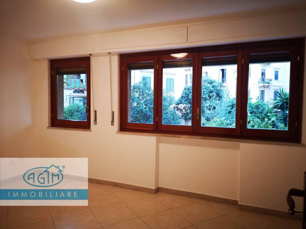 Ufficio-studio in Affitto a Palermo Centro: 3 locali, 63 mq