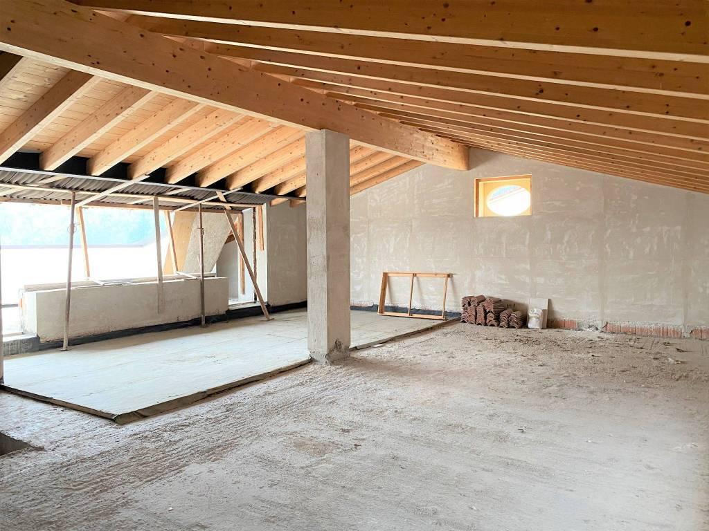 Attico / Mansarda in vendita a Provaglio d'Iseo, 4 locali, prezzo € 410.000 | PortaleAgenzieImmobiliari.it