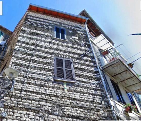 Appartamento da ristrutturare in vendita Rif. 7042449