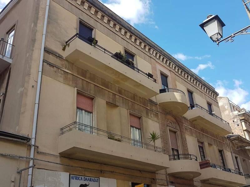Appartamento in Vendita a Catania Centro: 3 locali, 120 mq