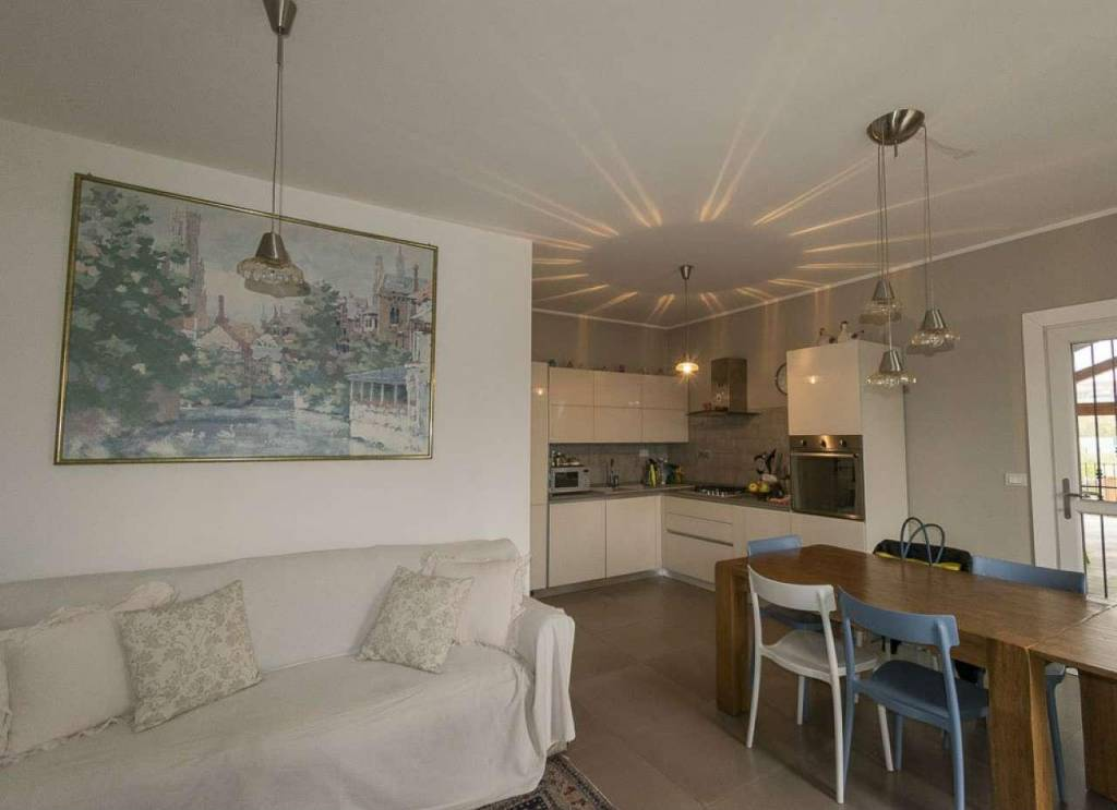 Appartamento in vendita a Venaria Reale, 3 locali, prezzo € 215.000 | CambioCasa.it