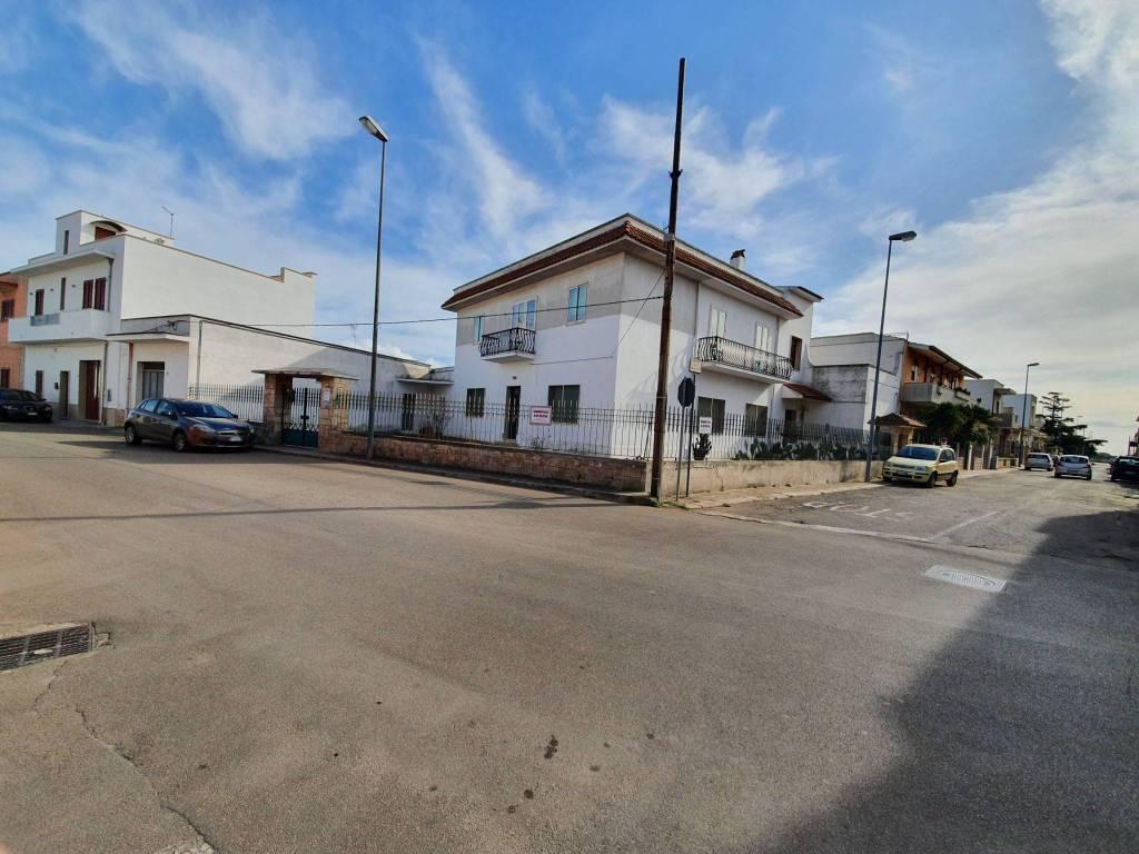 Villa in Vendita a Cellino San Marco Centro:  5 locali, 310 mq  - Foto 1