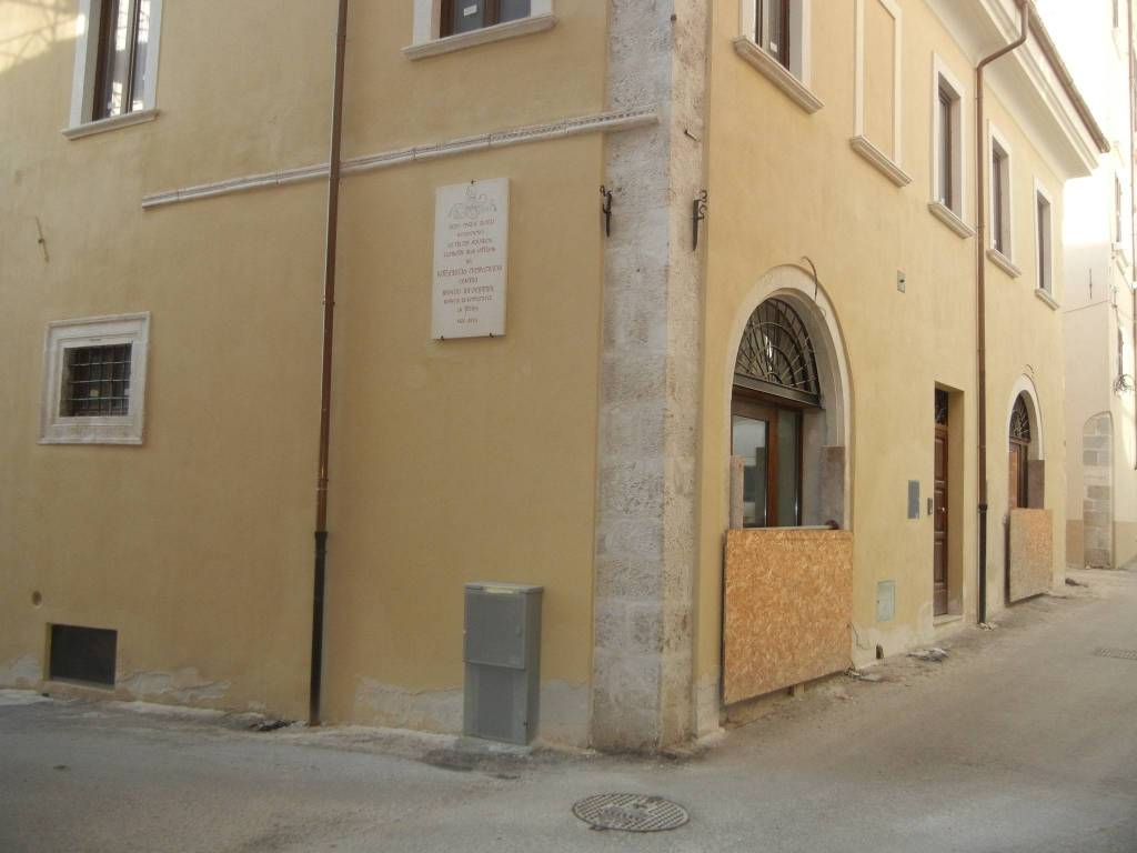 commerciale centro storico, foto 0