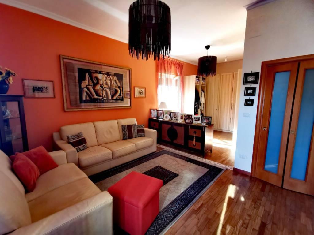 Appartamento in vendita a Valenzano, 3 locali, prezzo € 155.000   CambioCasa.it