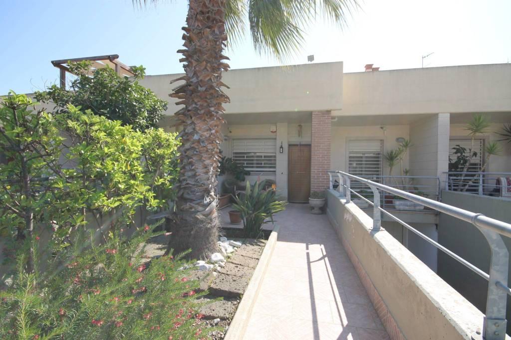 Villa a Schiera in vendita a Bari, 4 locali, prezzo € 355.000 | CambioCasa.it