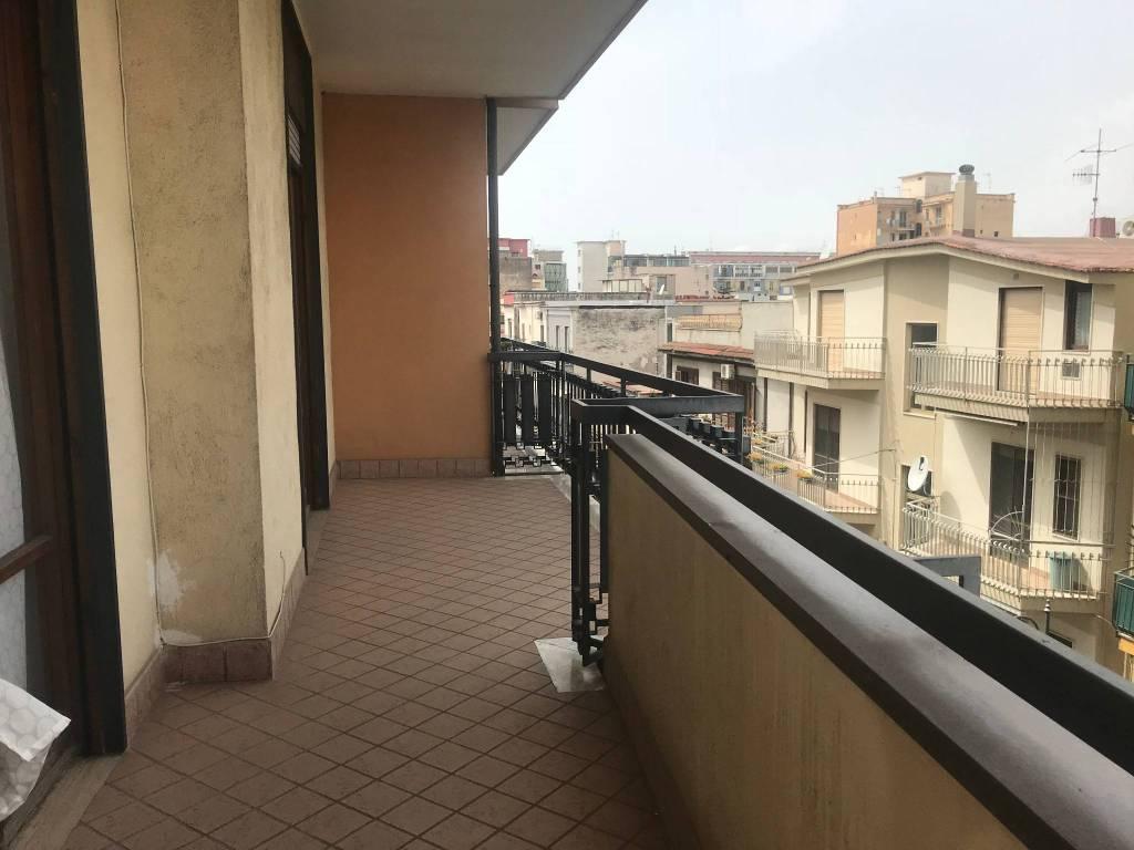 Appartamento in buone condizioni in vendita Rif. 9210083