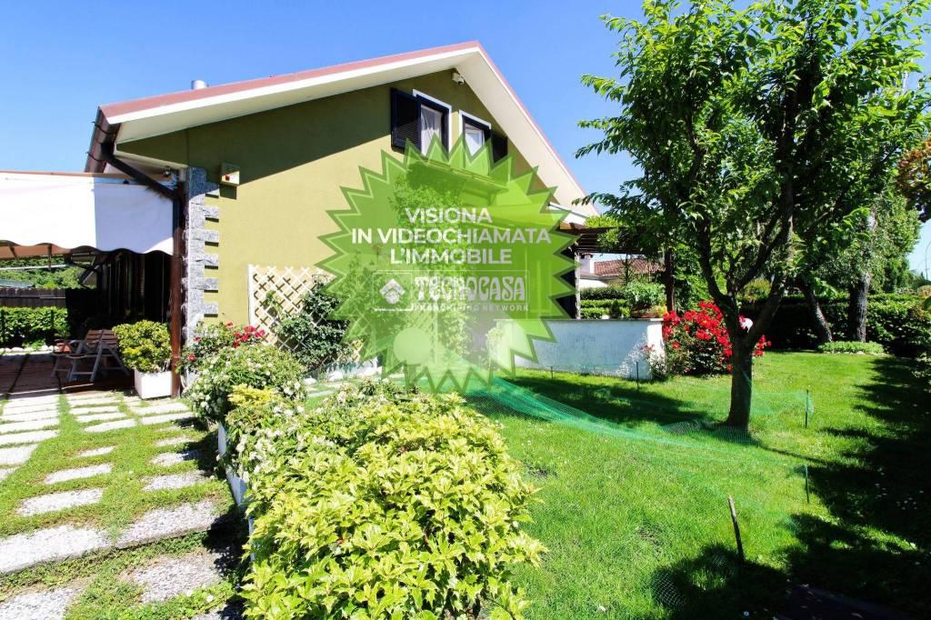 Villa in buone condizioni in vendita Rif. 9156469