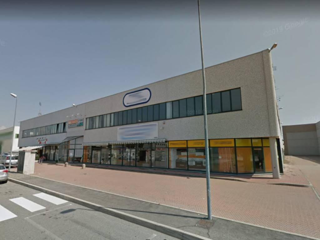 Negozio / Locale in vendita a Chivasso, 6 locali, prezzo € 250.000 | PortaleAgenzieImmobiliari.it