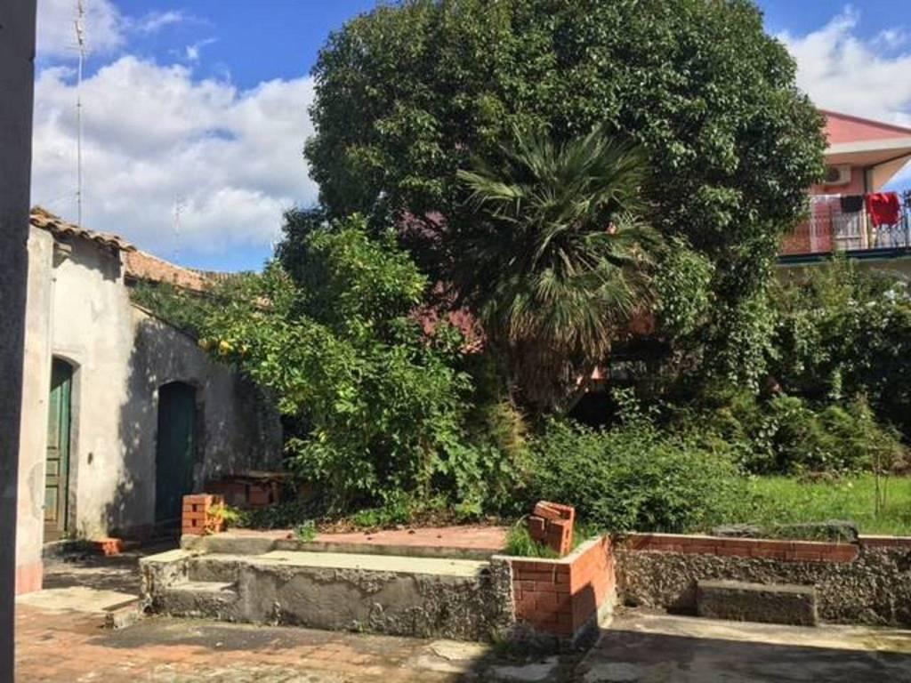 Villa in Vendita a San Giovanni La Punta Centro: 5 locali, 240 mq
