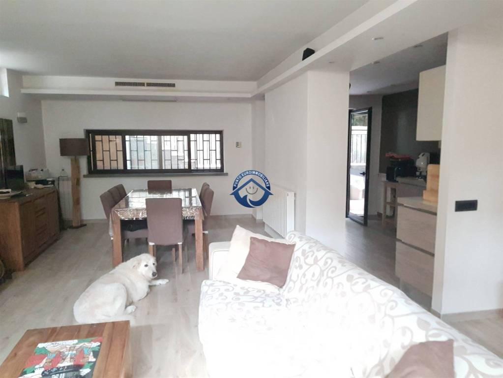 Villa in vendita a Mariglianella, 5 locali, prezzo € 340.000 | CambioCasa.it