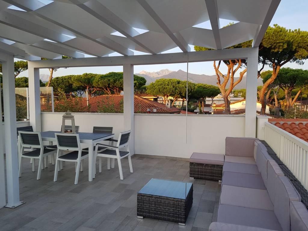 Appartamento in vendita a Forte dei Marmi, 3 locali, prezzo € 519.000 | PortaleAgenzieImmobiliari.it