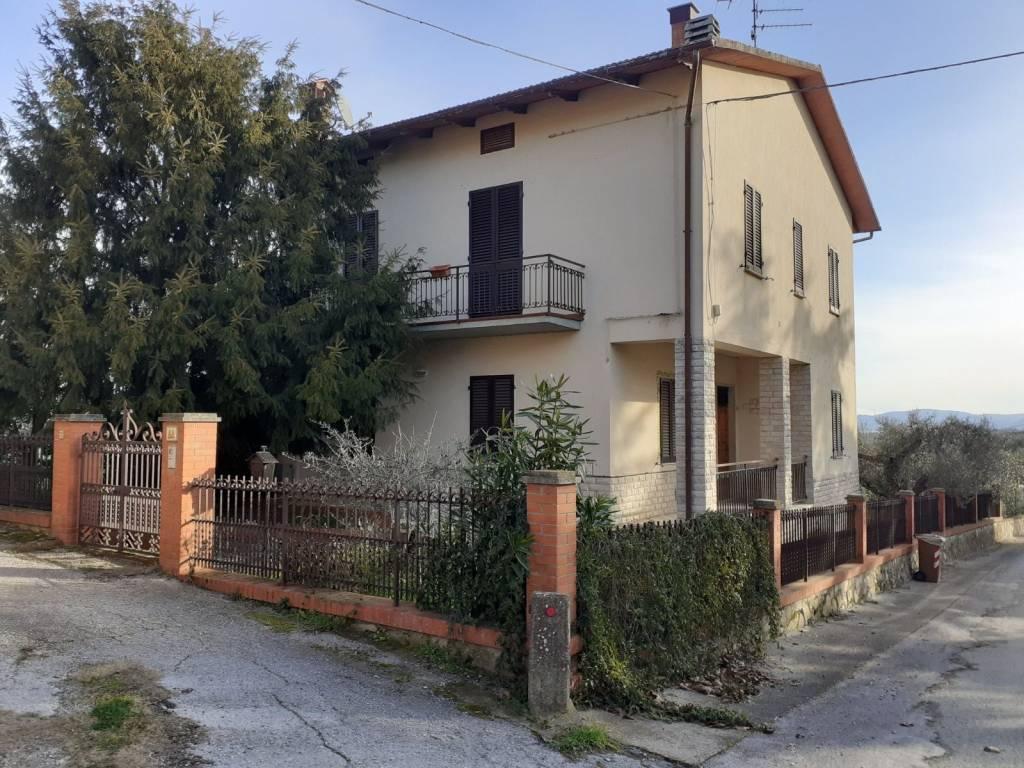Villa in Vendita a Castiglione Del Lago: 5 locali, 170 mq