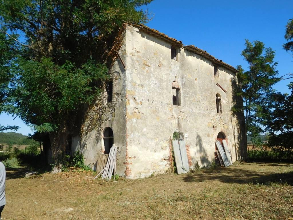 Rustico in Vendita a Citta' Della Pieve Periferia: 5 locali, 500 mq