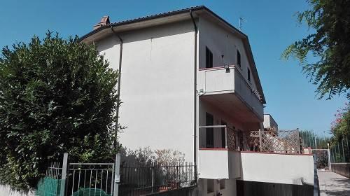Appartamento in vendita a Guardea, 7 locali, prezzo € 200.000   PortaleAgenzieImmobiliari.it