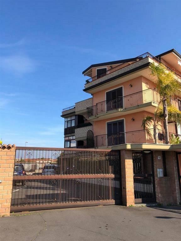 Attico / Mansarda in vendita a Catania, 3 locali, prezzo € 125.000 | CambioCasa.it