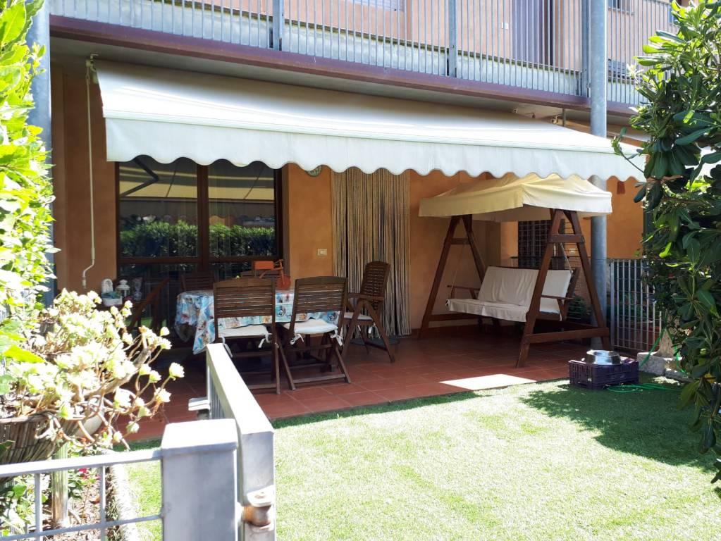 Appartamento in ottime condizioni arredato in affitto Rif. 7376293