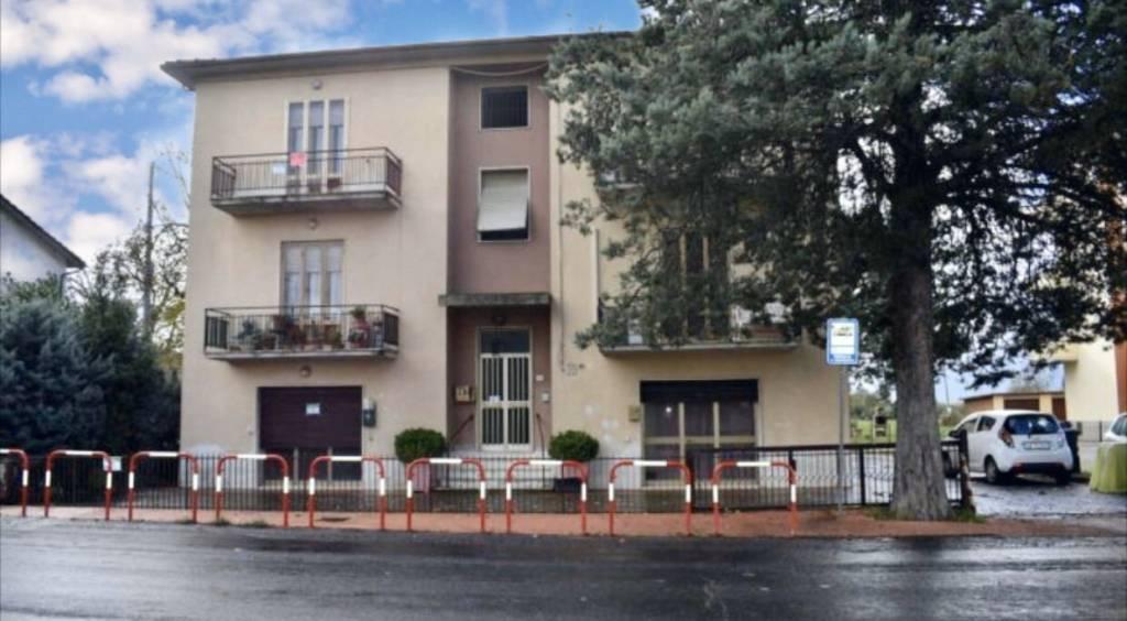 Appartamento in vendita a Città della Pieve, 6 locali, prezzo € 110.000 | CambioCasa.it