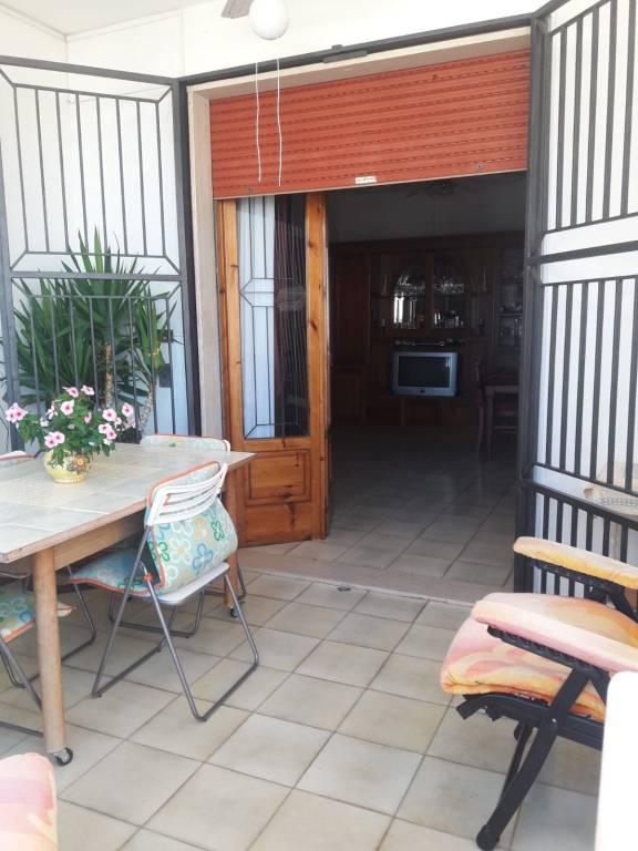 Appartamento in buone condizioni arredato in vendita Rif. 7160781