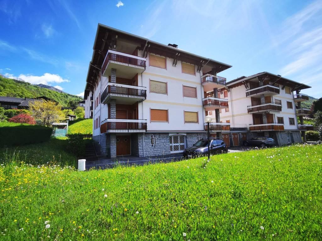 Appartamento in buone condizioni arredato in vendita Rif. 9139511