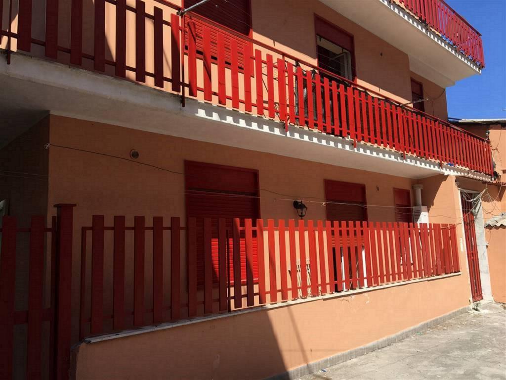 Palazzo in Vendita a Catania Centro: 5 locali, 175 mq