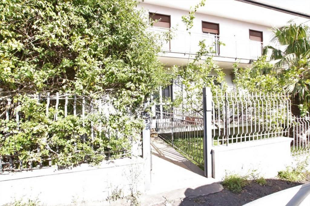 Appartamento in Vendita a Sant'Agata Li Battiati Centro: 2 locali, 55 mq