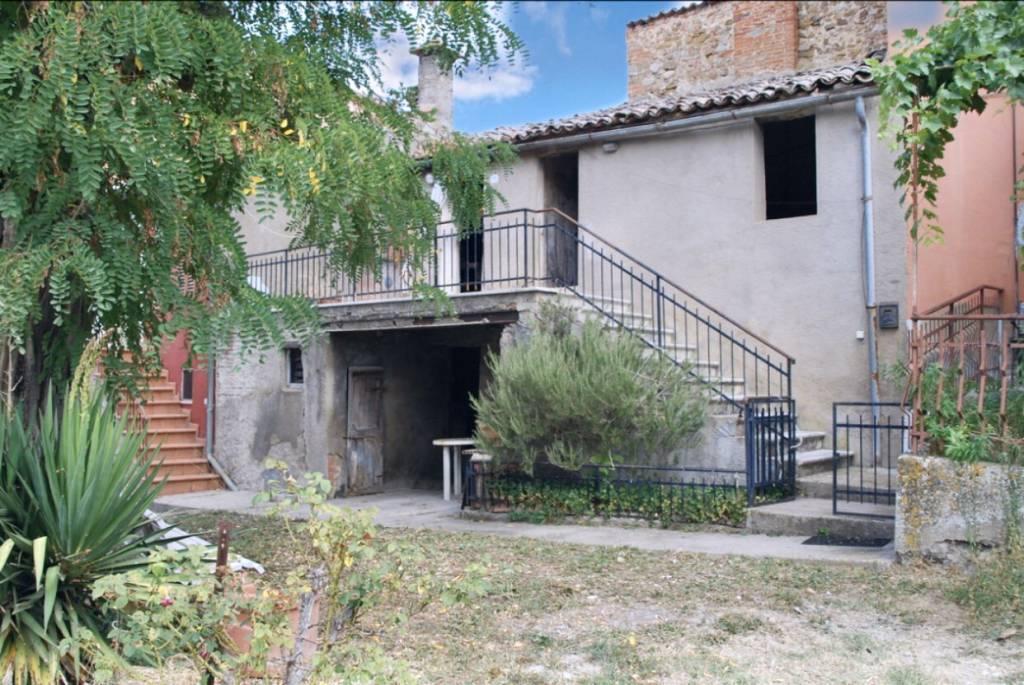 Casa indipendente in Vendita a Citta' Della Pieve Periferia: 4 locali, 100 mq