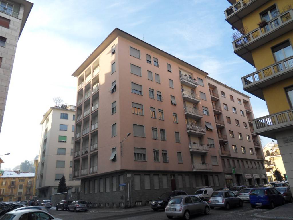 Appartamento in vendita a Biella, 8 locali, prezzo € 198.000 | PortaleAgenzieImmobiliari.it